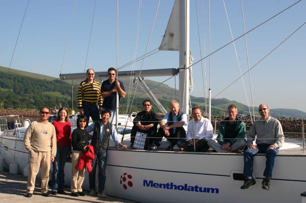 Hull Graphic - Mentholatum
